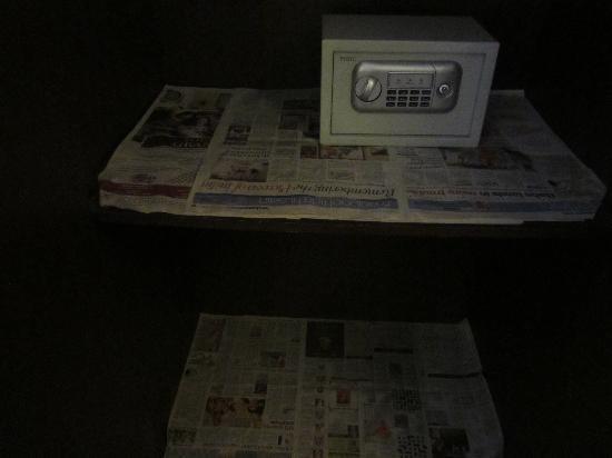 Hotel BB Palace: la caja a la derecha movida por mí
