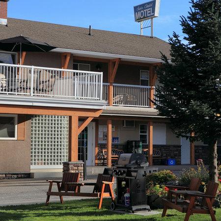 Swiss Chalet Motel Exterior - Summer