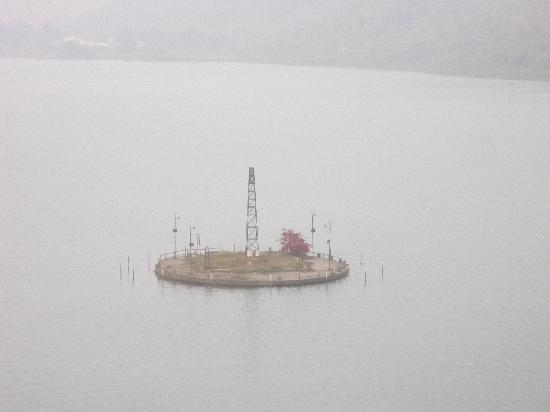 Lake Palace Hotel Siliserh: Lake fountain
