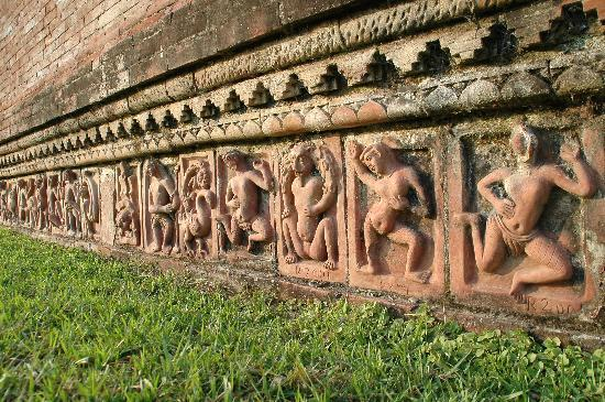 Ruins of the Buddhist Vihara at Paharpur: terra cotta in Paharpur