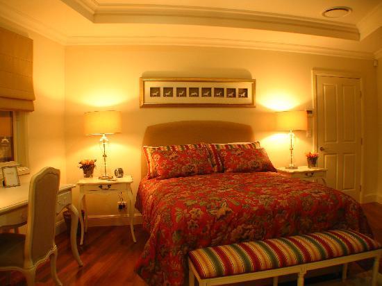 Montville Village Bed and Breakfast: Feeling sleepy?