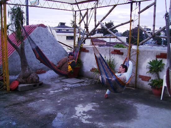 Hotel Casa Santorini: roof hammocks