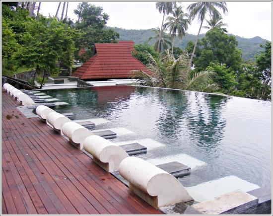 DABIRAHE Dive, Spa and Leisure Resort (Lembeh): Swiming pool view @LHR
