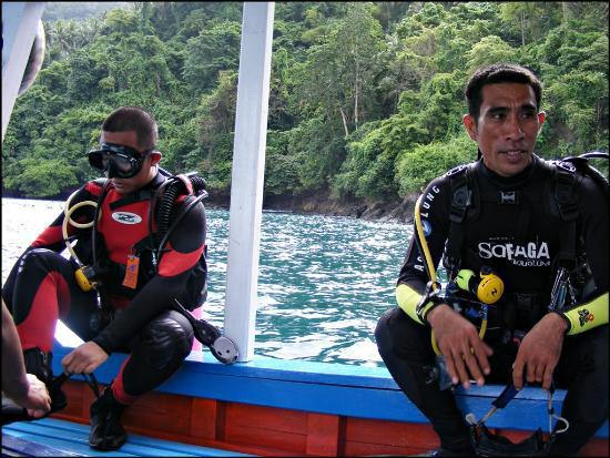 DABIRAHE Dive, Spa and Leisure Resort (Lembeh): Me and dive master from YOS dive