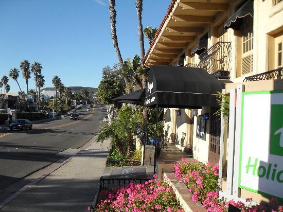 Holiday Inn Laguna Beach: Outside