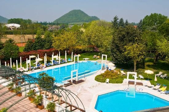Hotel Terme Orvieto: Piscine e parco
