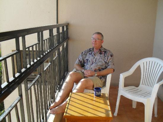 Saint Joseph Hotel : Sunny balcony comes with room  414