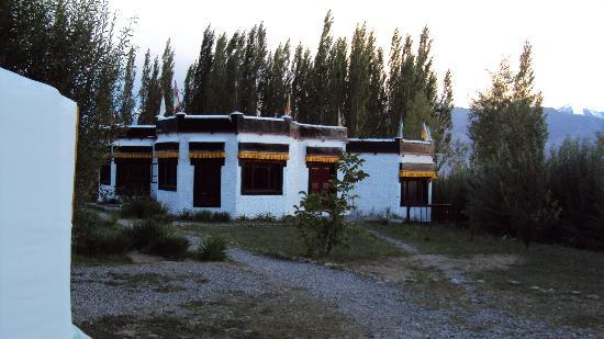 Ladakh Sarai: The Main Building