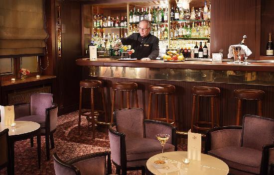 Splendid Etoile Hotel: Bar