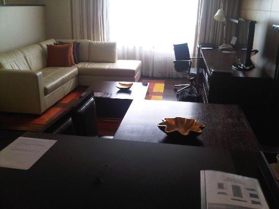 Sukhumvit Park, Bangkok - Marriott Executive Apartments: Living
