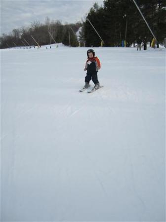 Liberty Mountain Resort: 3year old on skis