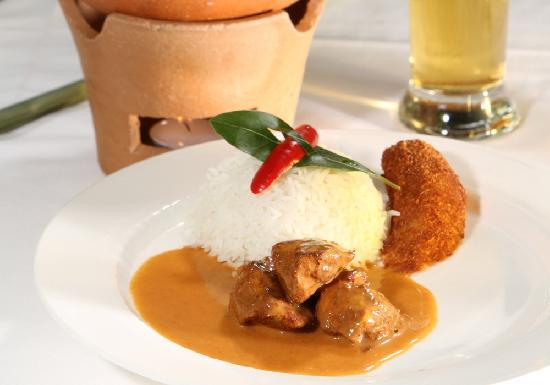 Restaurant Orangerie : Rotes Pouletcurry | red chicken curry