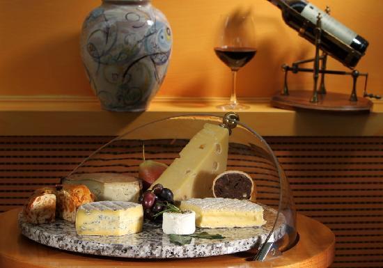 Restaurant Orangerie : Schweizser Käse   Swiss cheese