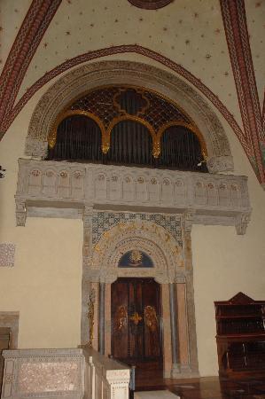 Basilica di San Calimero: organo