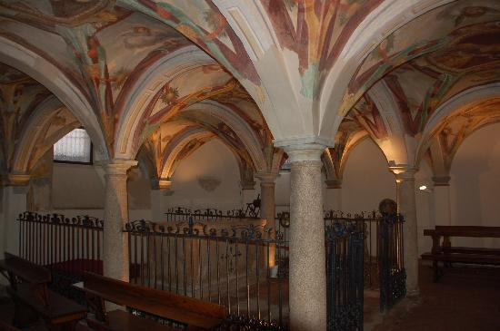 Basilica di San Calimero: cripta