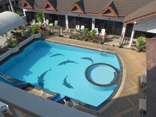 Jed Pee Nong Hotel: The View of the Pool from the Balcony...