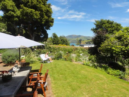 Beaufort House Akaroa: View from the terrasse