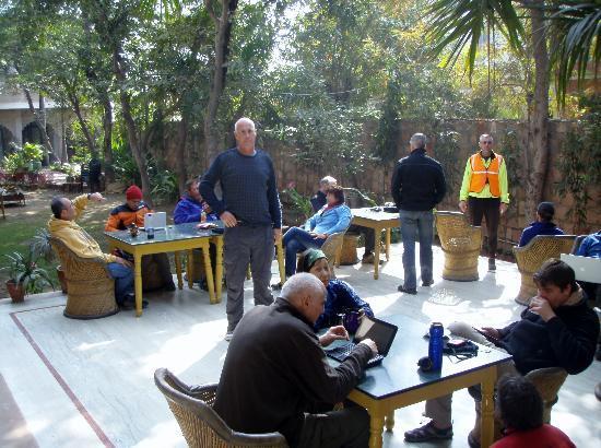 The Birder's Inn: patio area with free WiFi
