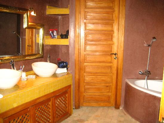 Riad Andalib: Et la salle de bains...