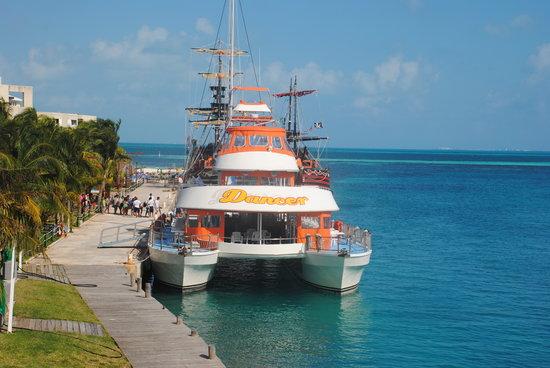 Dancer Cruise : Ven y disfruta tu dia abordo de Dancer Catamaran
