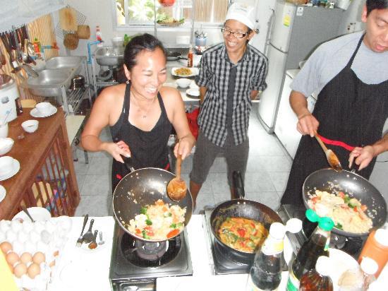 Sabai Sabai Thai Cooking School & Restaurant: Cooking