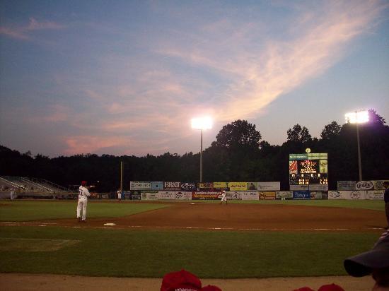 Pfitzner Stadium : An Evening with the Potomac Nationals