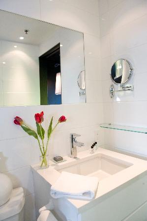 Hotel Zero 1: Bath room