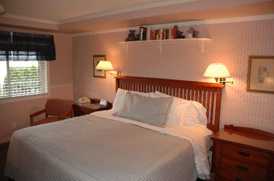 Winfield Inn: King Bed Room