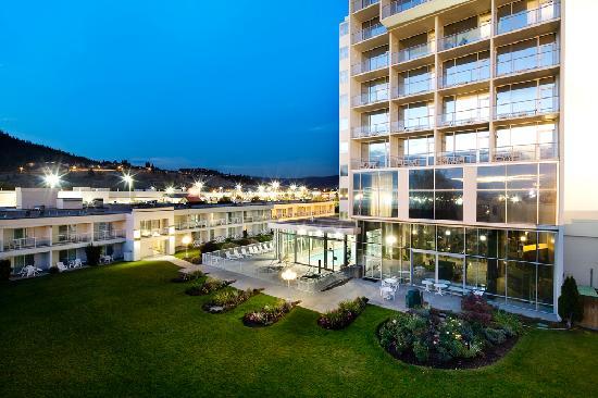 Best Western Plus Kelowna Hotel & Suites: Serenity at dusk
