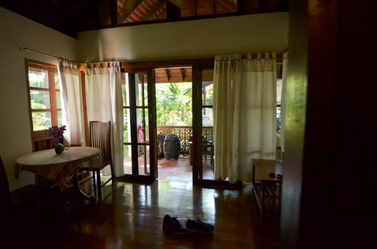Baan Orapin Bed and Breakfast : Dining and front area of the Jr Suite (front building)