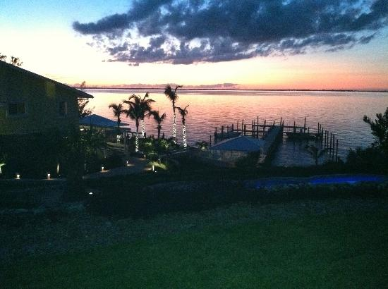 Firefly's Last Light Bar & Grill : View out over the Sea of Abaco