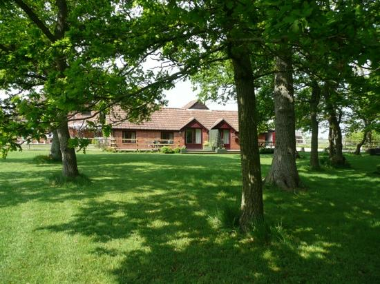Biss Barn Bed & Breakfast: holiday cottages