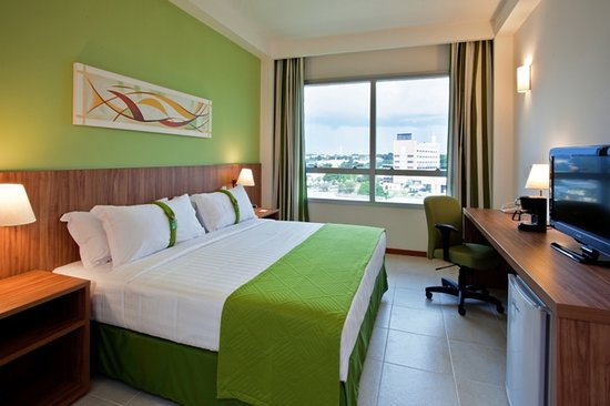 Holiday Inn Manaus: King Size Bed