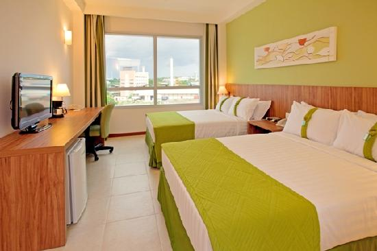 Holiday Inn Manaus: Doube Twin Bed