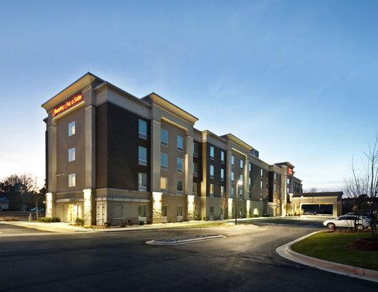 Hampton Inn & Suites Holly Springs: Hotel Exterior