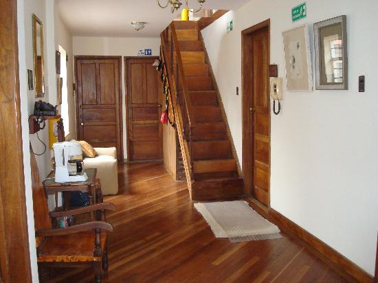 Casa Rustica Bogota: hallway