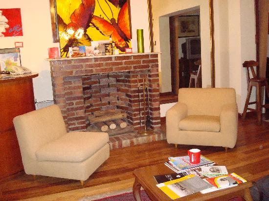 Casa Rustica Bogota: living room