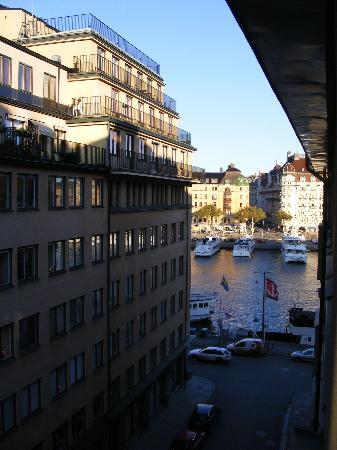 Drottning Victorias Orlogshem: From our window, looking toward Strandvägen on Östermalm