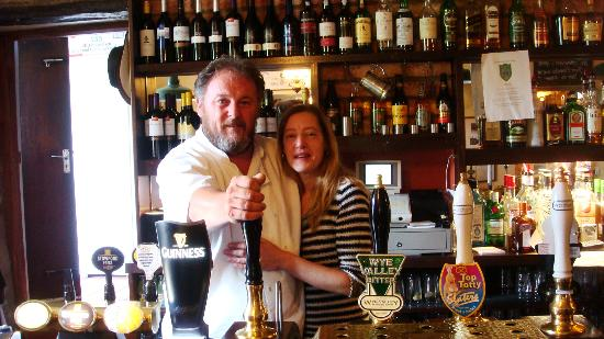 The Hostelrie at Goodrich Restaurant: Alun and Lisa at The Hostelrie at Godrich