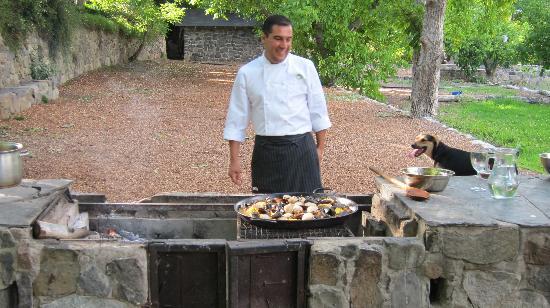Lodge Andino: Paella hecha en la barbacoa