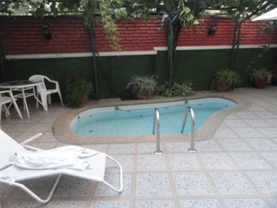 Hotel María Angola: Pequeña pileta (piscina).
