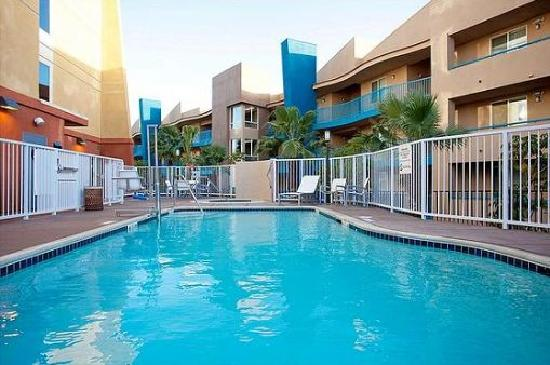 Holiday Inn Oceanside Camp Pendleton Area: Pool