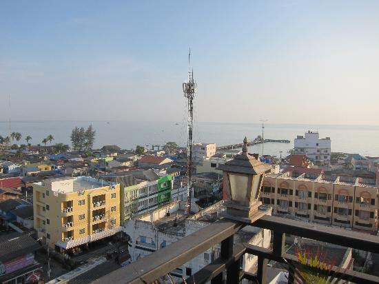 Chalelarn Hotel Hua Hin: Morning view from rooftop