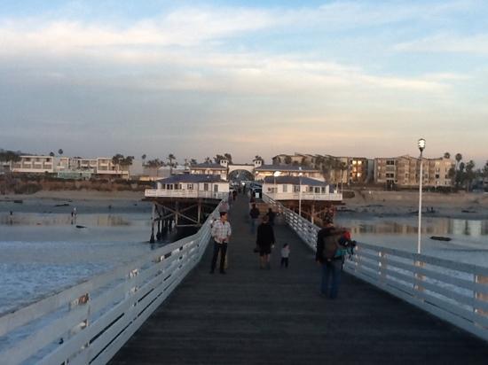 Crystal Pier Hotel & Cottages: sunset