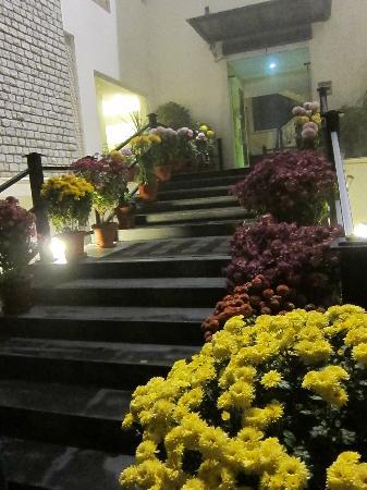 Mantra Amaltas: hotel entrance