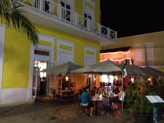 Frida's Restaurant Bar: Great little restaurant.