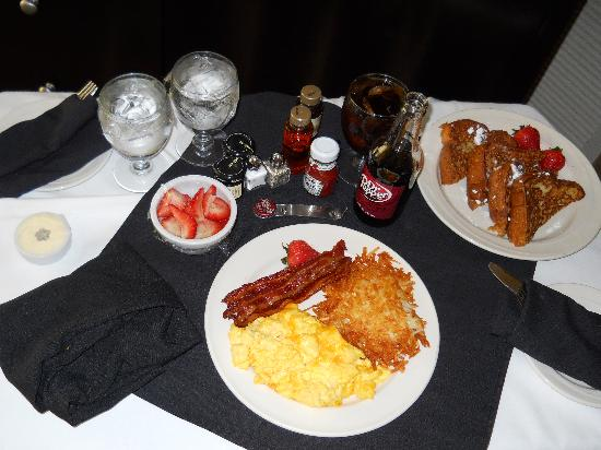 Omni Dallas Hotel at Park West: ummm, in rm breakfast