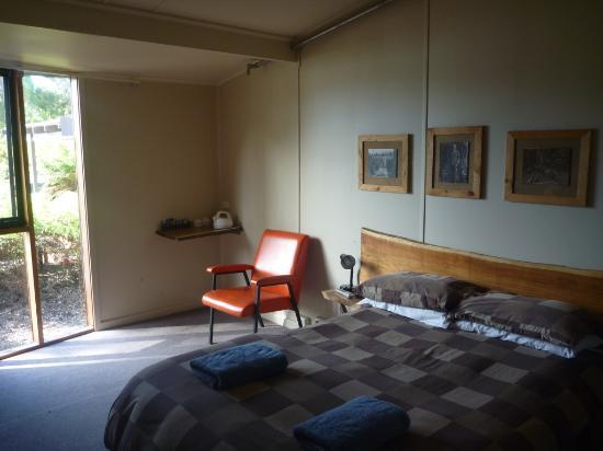 Tullah Lakeside Lodge: Budget double room
