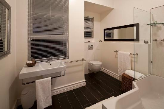 The Grange Guest House: state of the art bathrooms