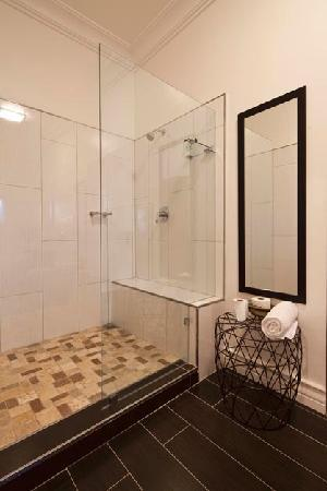 The Grange Guest House: the shower of queen room 1